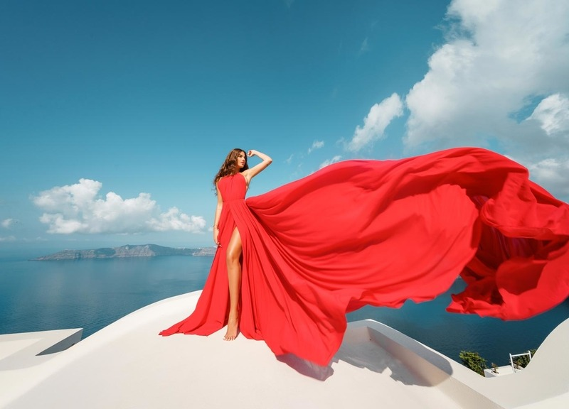 eb9351ee4c537 Photo Shoot on Lovely Santorini with a Fancy Dress